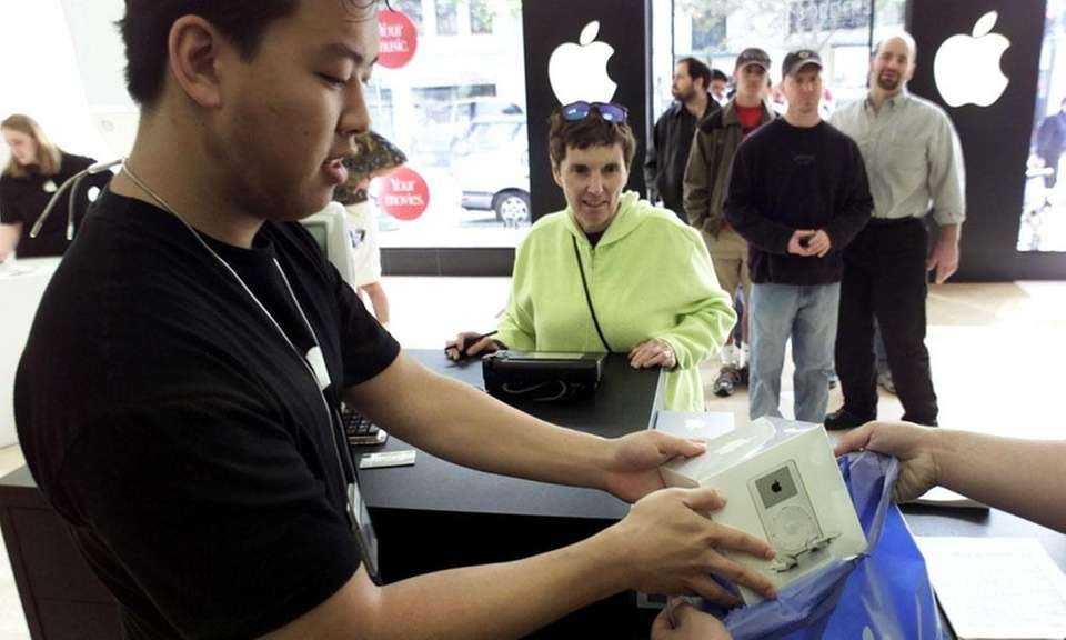 Apple opened its first stores in Glendale, Calif.,