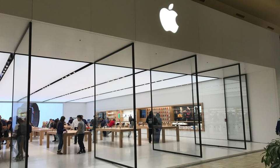 Apple has four locations on Long Island, two