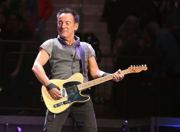 Bruce Springsteen will likely tell jokes between songs