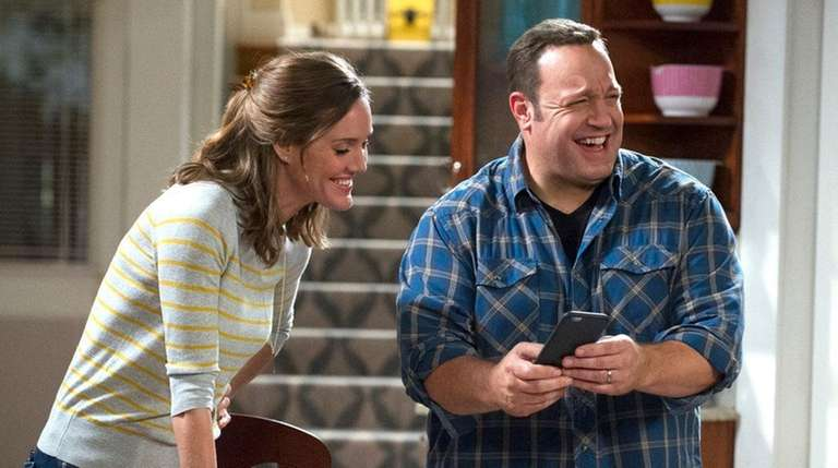 Erinn Hayes and Kevin James star in