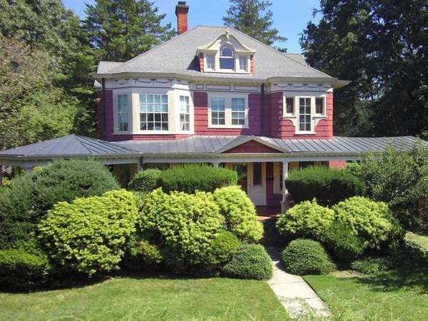 WEEKS HOUSE, 1888 SEA CLIFF VICTORIAN, LISTS FOR $1.65M