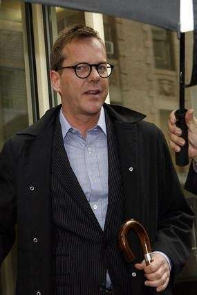Actor Kiefer Sutherland arrives at the 1st. Precinct