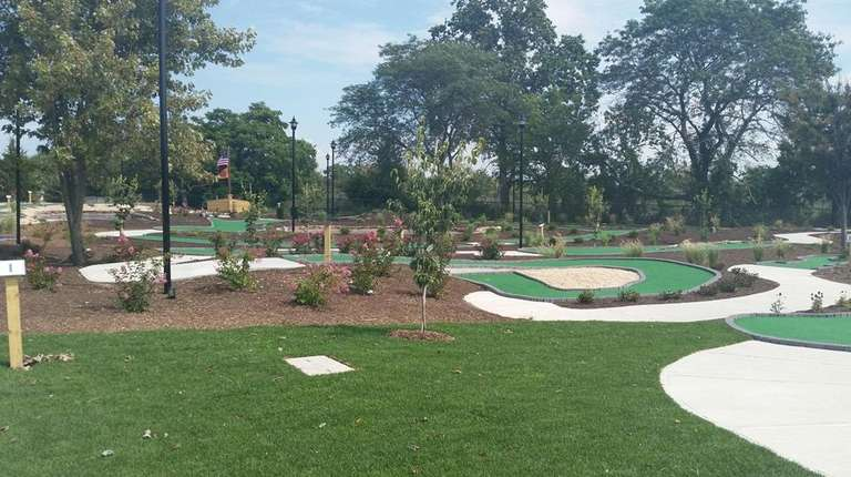 18-hole mini-golf course opens on Long Island | Newsday