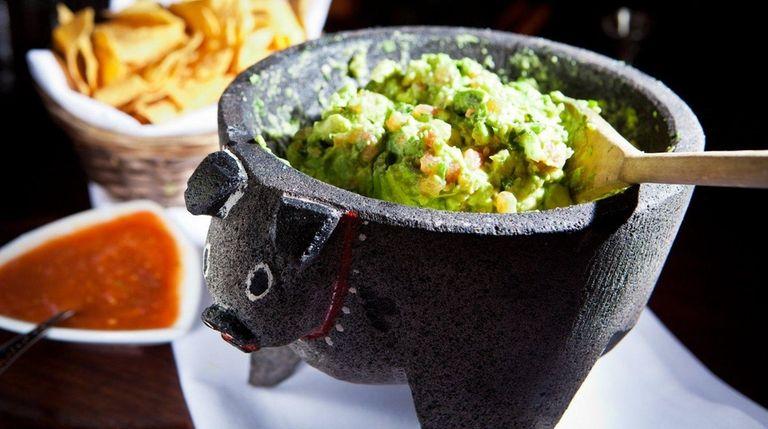 Mexican restaurant Besito in Huntington serves fresh guacamole