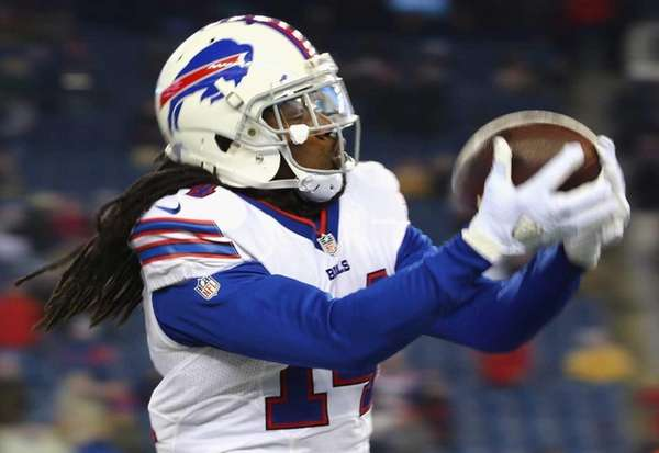 Sammy Watkins of the Buffalo Bills warms up