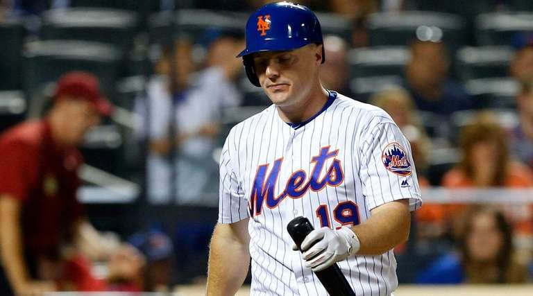 Jay Bruce of the New York Mets walks