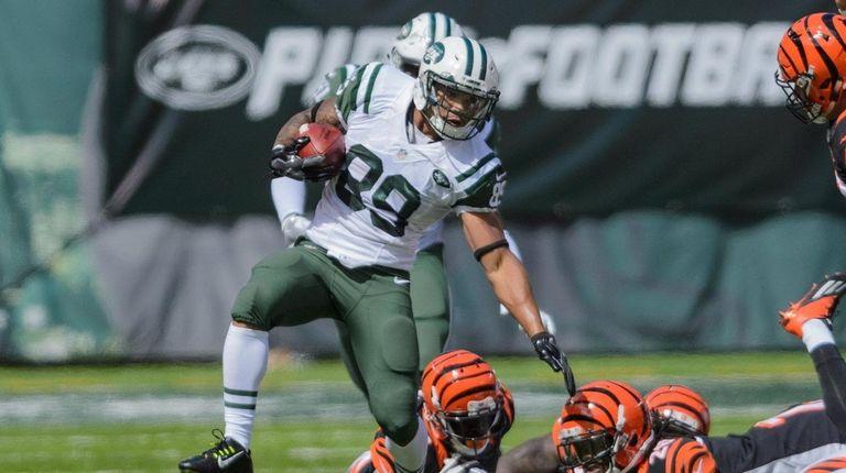 New York Jets rookie Jalin Marshall breaks away