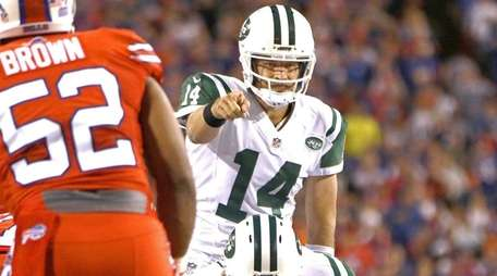 Ryan Fitzpatrick of the New York Jets calls