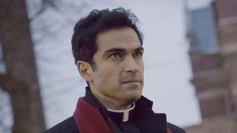 Alfonso Herrera in