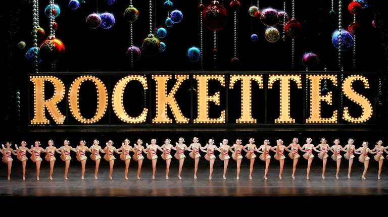 Two Radio City Rockettes will be at Gingerbread