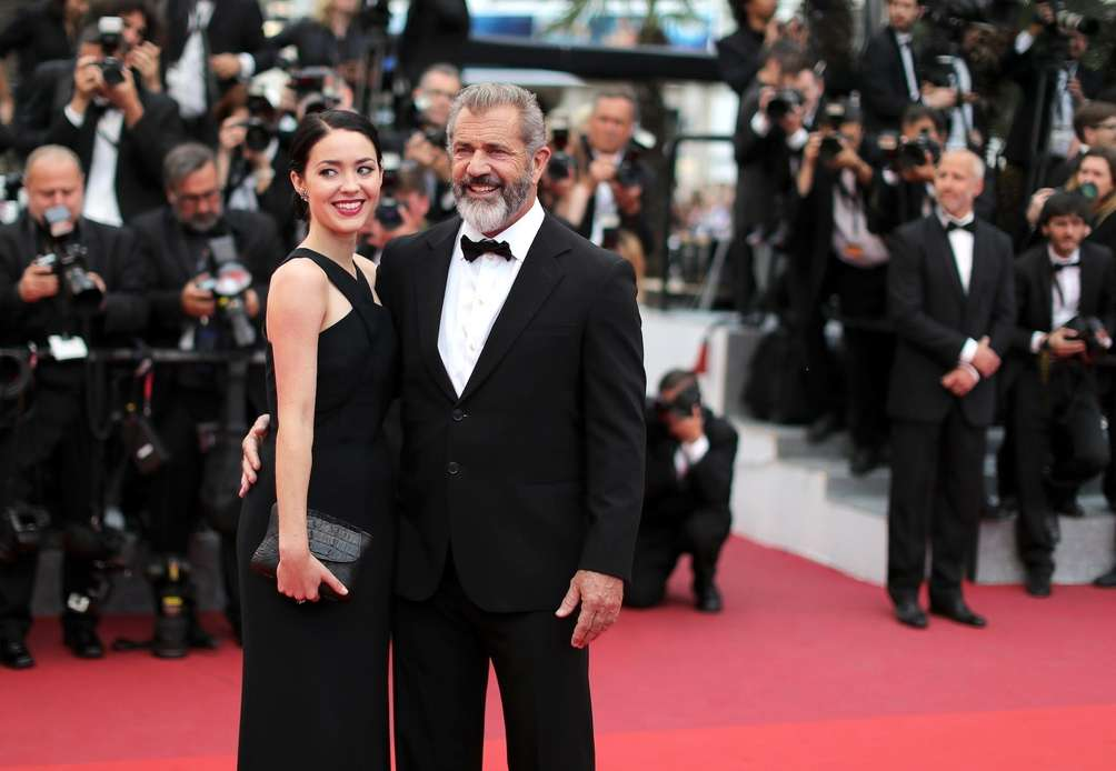 Through a publicist, Mel Gibson and Rosalind Ross