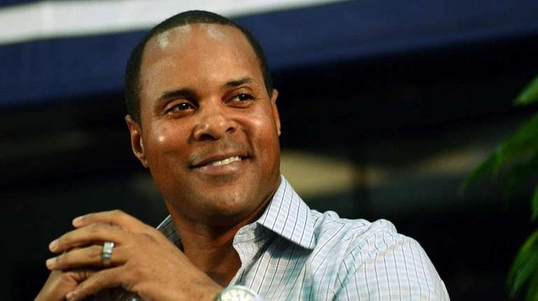 Barry Larkin says being manager of Brazil's WBC