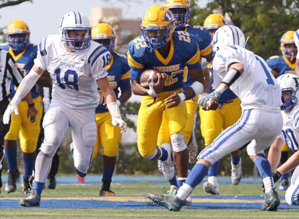 Chris Collier #22 of the Lawrence Golden Tornadoes
