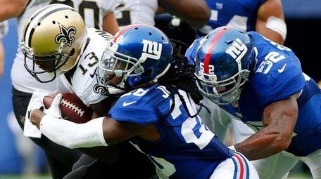 Janoris Jenkins of the New York Giants tackles