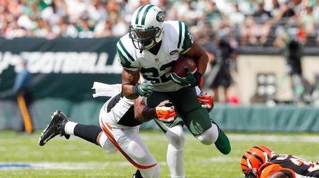 Matt Forte of the New York Jets runs