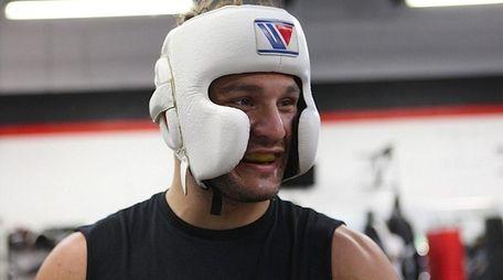 Gian Villante prepares to spar with Chris Weidman