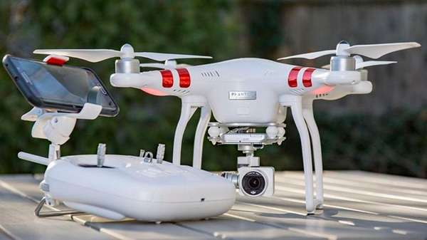 CNET has picked DJI Phantom 3 Standard as