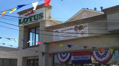 Lotus Asian Fusion restaurant in Hicksville combines Chinese,