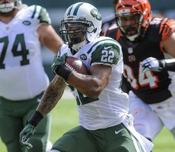 New York Jets running back Matt Forte carries