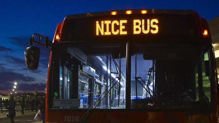 A Nice bus at Roosevelt Field Mall in