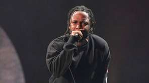 Kendrick Lamar performs at the 2016 Global Citizen