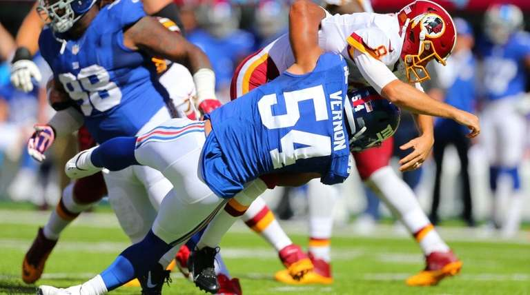 Olivier Vernon of the New York Giants knocks