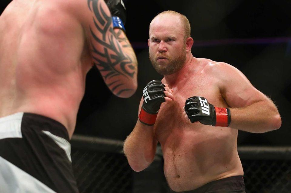 Record: 19-10 (10-9 UFC). UFC 205 opponent: Rafael