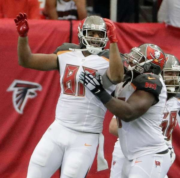 Tampa Bay Buccaneers tight end Austin Seferian-Jenkins celebrates