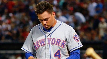 Wilmer Flores of the New York Mets walks