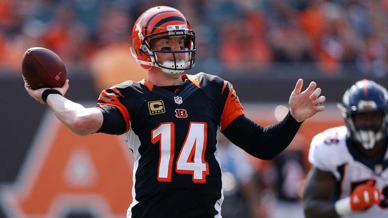 Cincinnati Bengals quarterback Andy Dalton throws during the