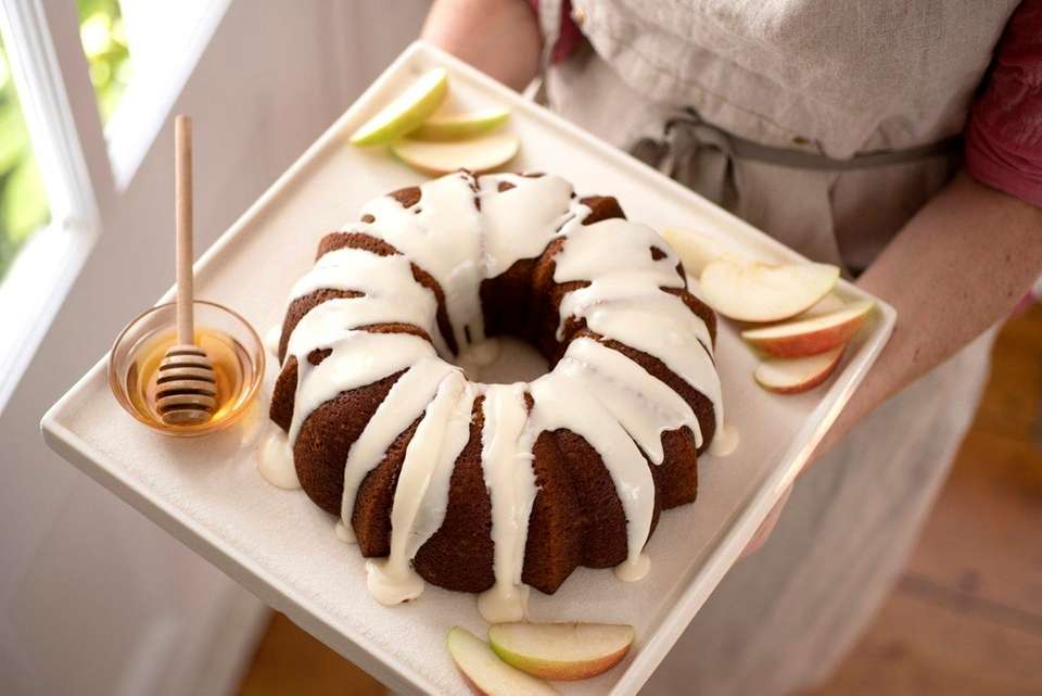 WHAT YOU'LL NEED: For the cake: 2 1⁄2