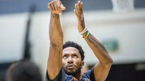 New York Knicks guard Derrick Rose during practice