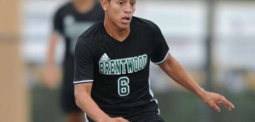 Brentwood's Jorge Hernandez controls the ball during the