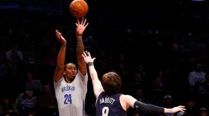 Rondae Hollis-Jefferson of the Brooklyn Nets puts up