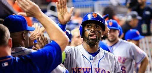 Jose Reyes of the New York Mets celebrates