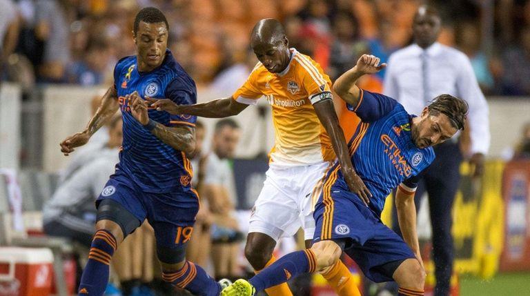 New York City FC forward David Villa, right,
