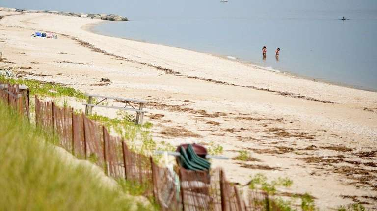 Private beaches in Asharoken Village complicate a plan