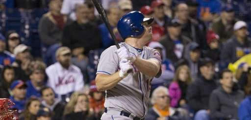 Jay Bruce of the New York Mets hits