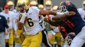 Notre Dame wide receiver Equanimeous St. Brown fights