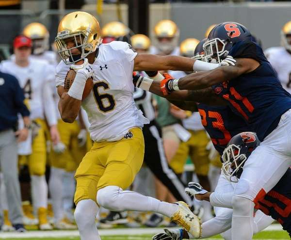 Notre Dame wide receiver Equanimeous St. Brown breaks
