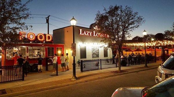 Lazy Lobster in East Rockaway has plenty of