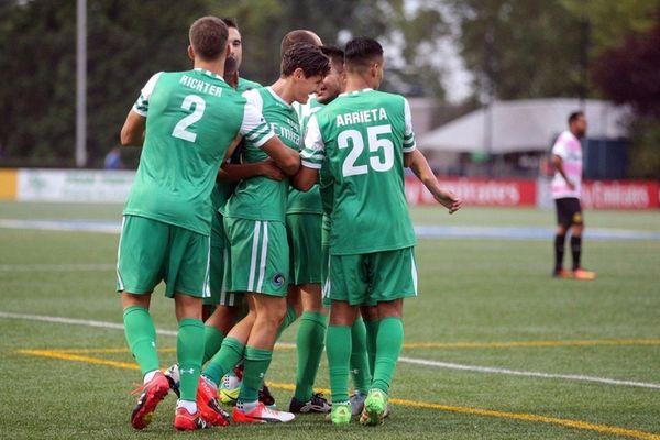 New York Cosmos midfielder Ruben Bover (15) celebrates