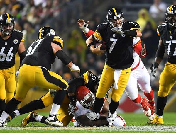 Ben Roethlisberger of the Pittsburgh Steelers is sacked