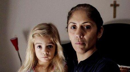 Jennie Hernandez with her 3-year-old daughter Montserrat Hernandez