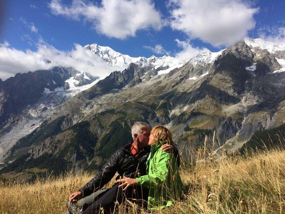 Bill & Vicki Hanley Falling in love all
