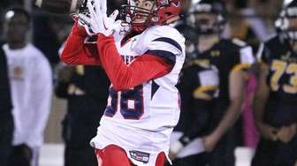 Stepinac's Brandon Gasparre pulls in a long pass