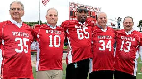 Former Newfield football players and 2016 Hall of