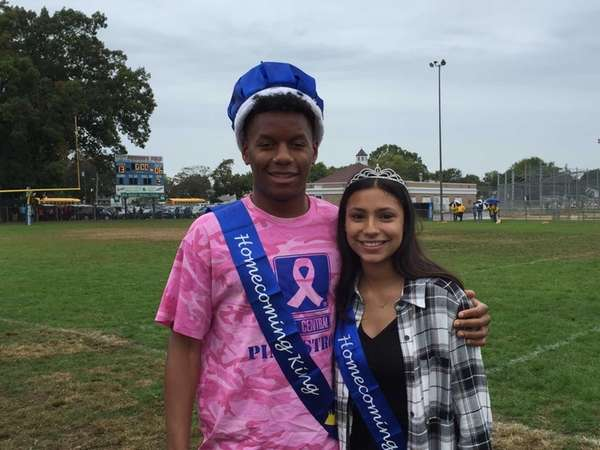 Homecoming king and queen Rahman Chambers and Bella