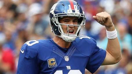 Quarterback Eli Manning #10 of the New York