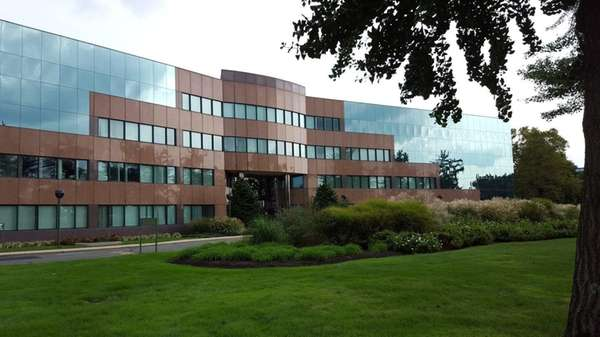 Quontic Bank has moved into 425 Broadhollow Rd.